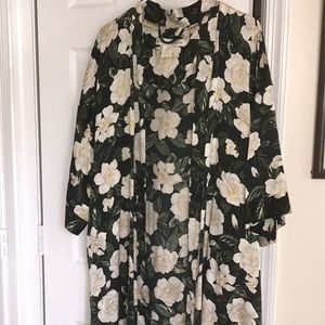 Crabtree and Evelyn Silk Robe